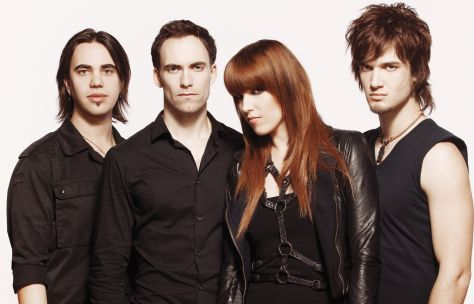Source: http://www.warnermusic.de/sites/warnermusic.de/files/news/images/halestorm_small.jpg
